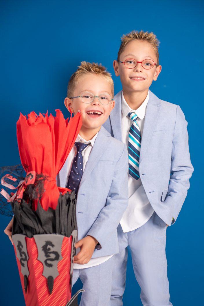 Schulanfangsfoto mit zwei Brüdern von der Fotografin Ricarda Hager